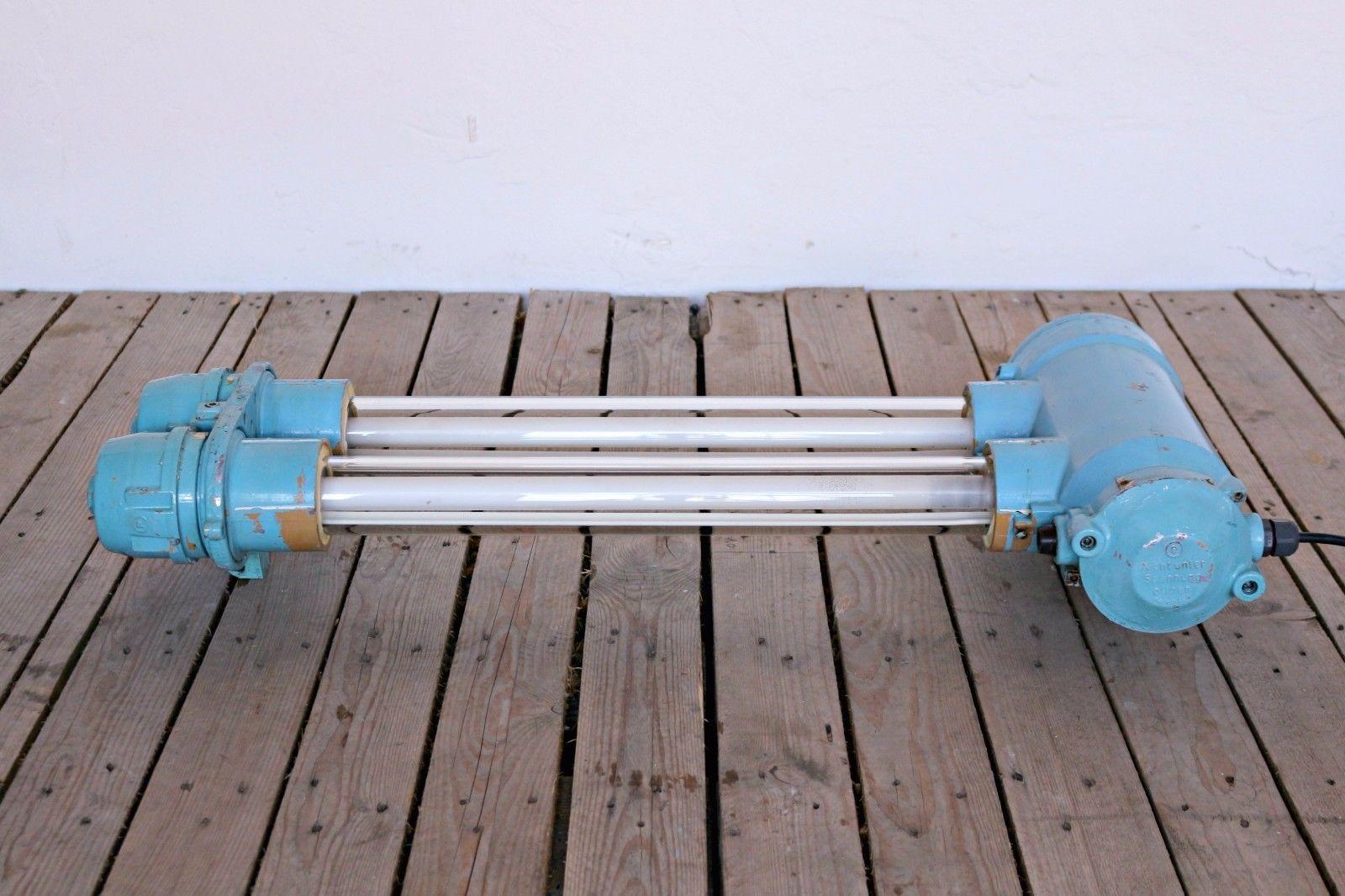Kleine Blaue Industrielle Fluoreszierende Lampe von EOW, 1970er