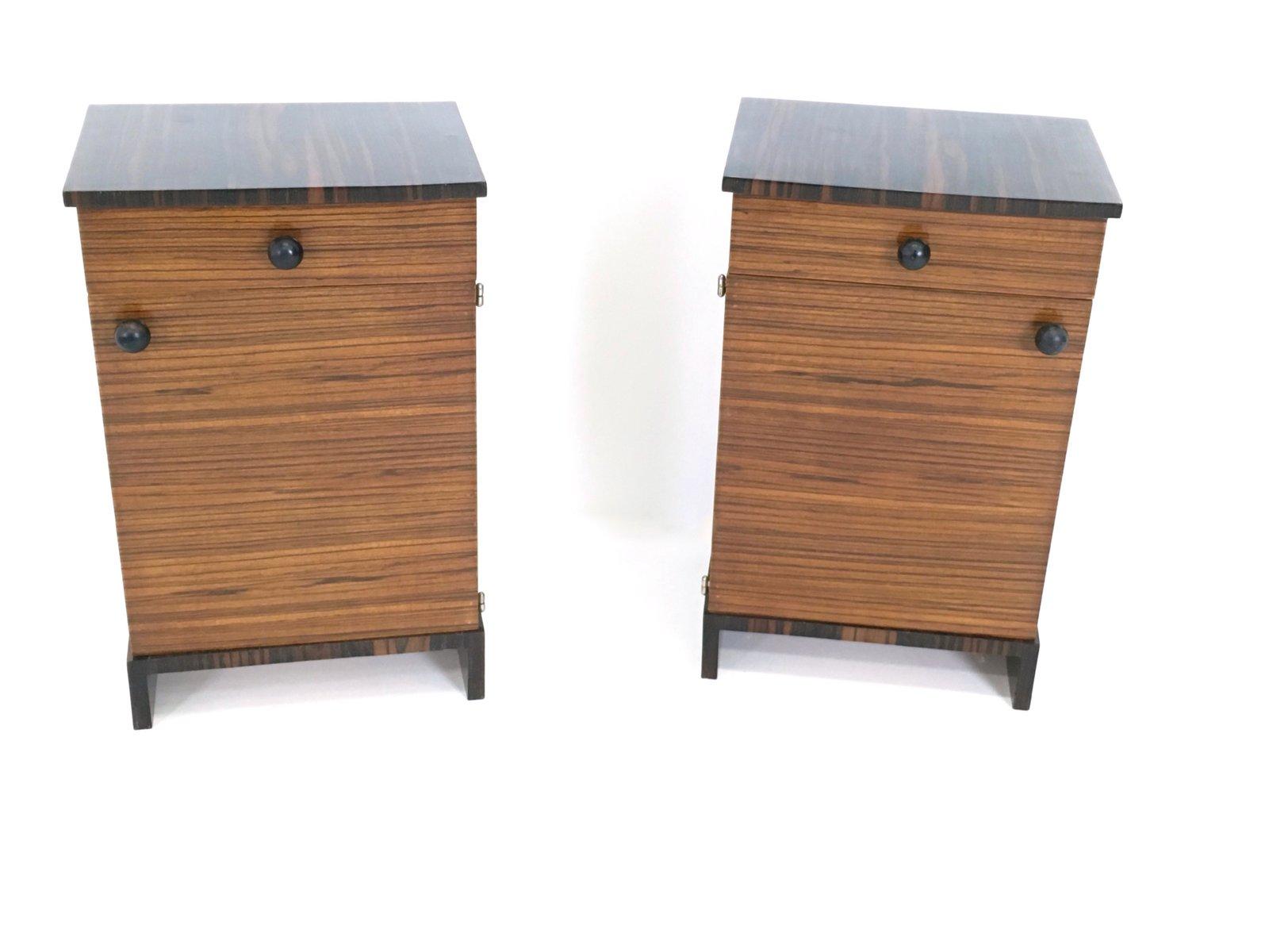 Mesas de noche de madera de zebrano y bano macassar a os for Mesas de noche de madera