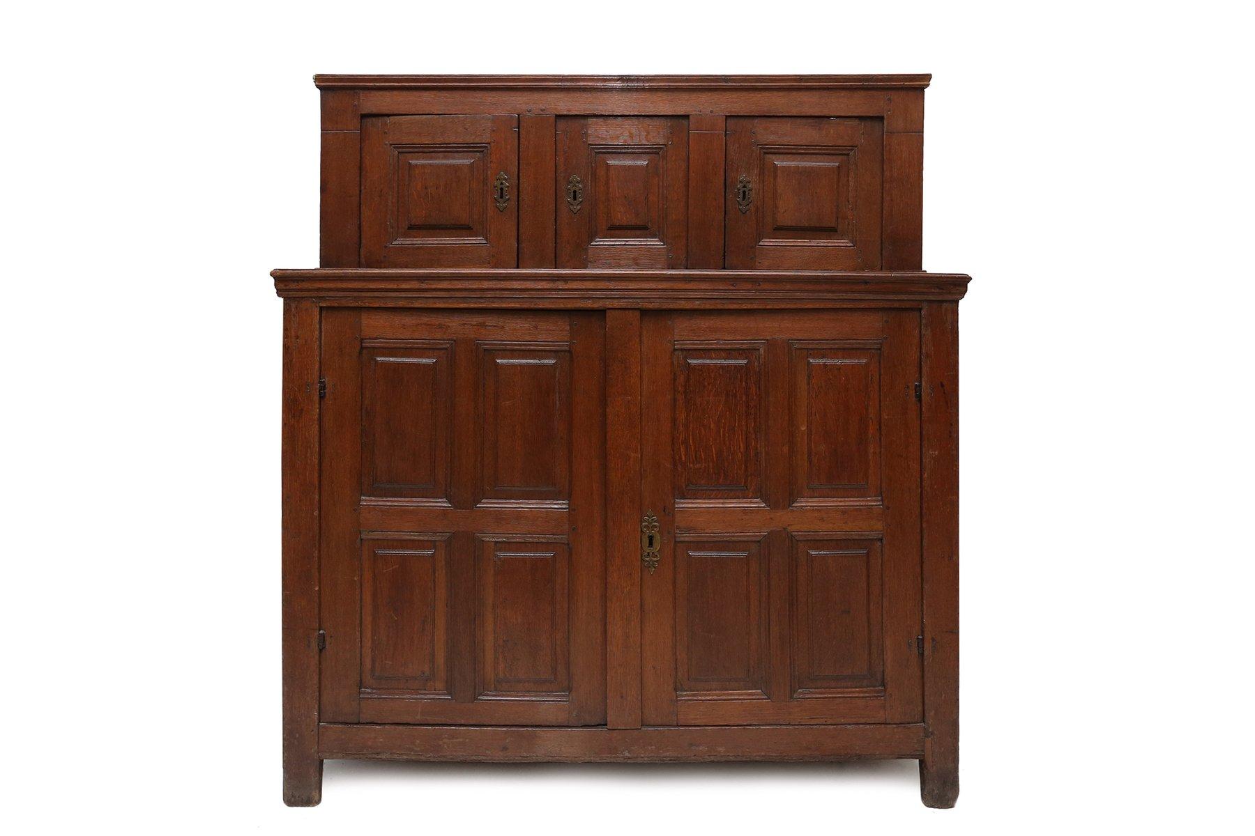 buffet 18 me si cle en ch ne en vente sur pamono. Black Bedroom Furniture Sets. Home Design Ideas