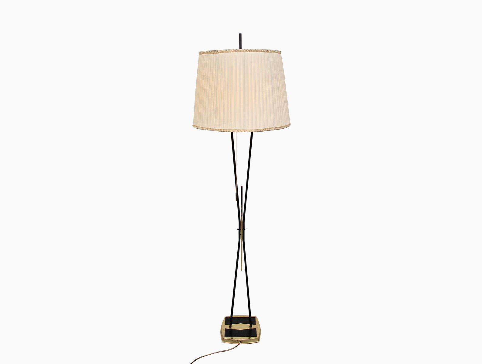 Stehlampe aus Messing & Schwarz Lackiertem Metal, 1950er
