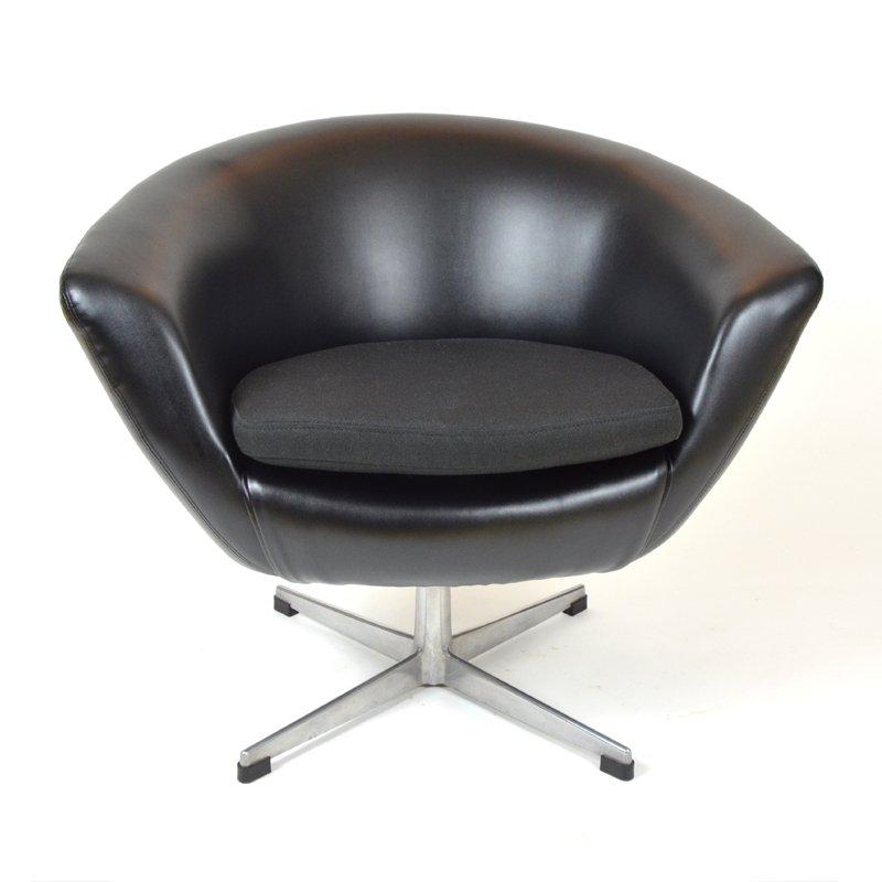 schwarzer kunstleder egg chair von up zavody rousinov bei. Black Bedroom Furniture Sets. Home Design Ideas