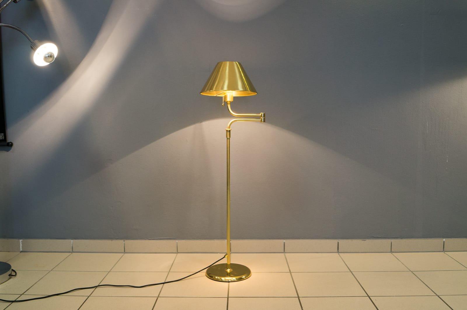 Lesan Stehlampe von Florian Schulz