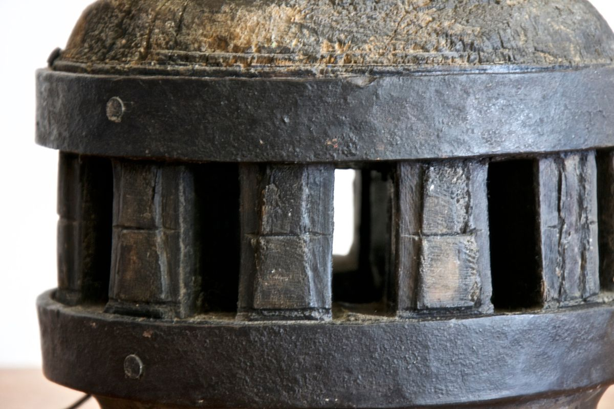 Lampe de bureau vintage en bois italien et en fer en vente sur pamono