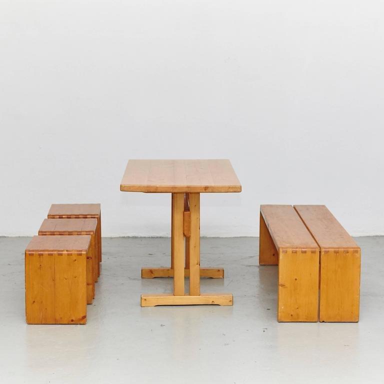 Tisch, Hocker & Bank von Charlotte Perriand für Les Arcs