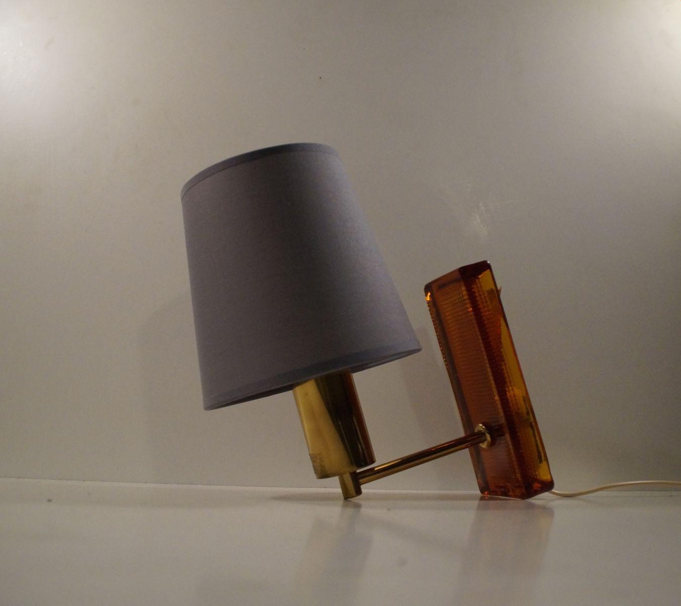 Vergoldete Mid-Century Glas & Messing Wandlampe von Claus Bolby für Ce...