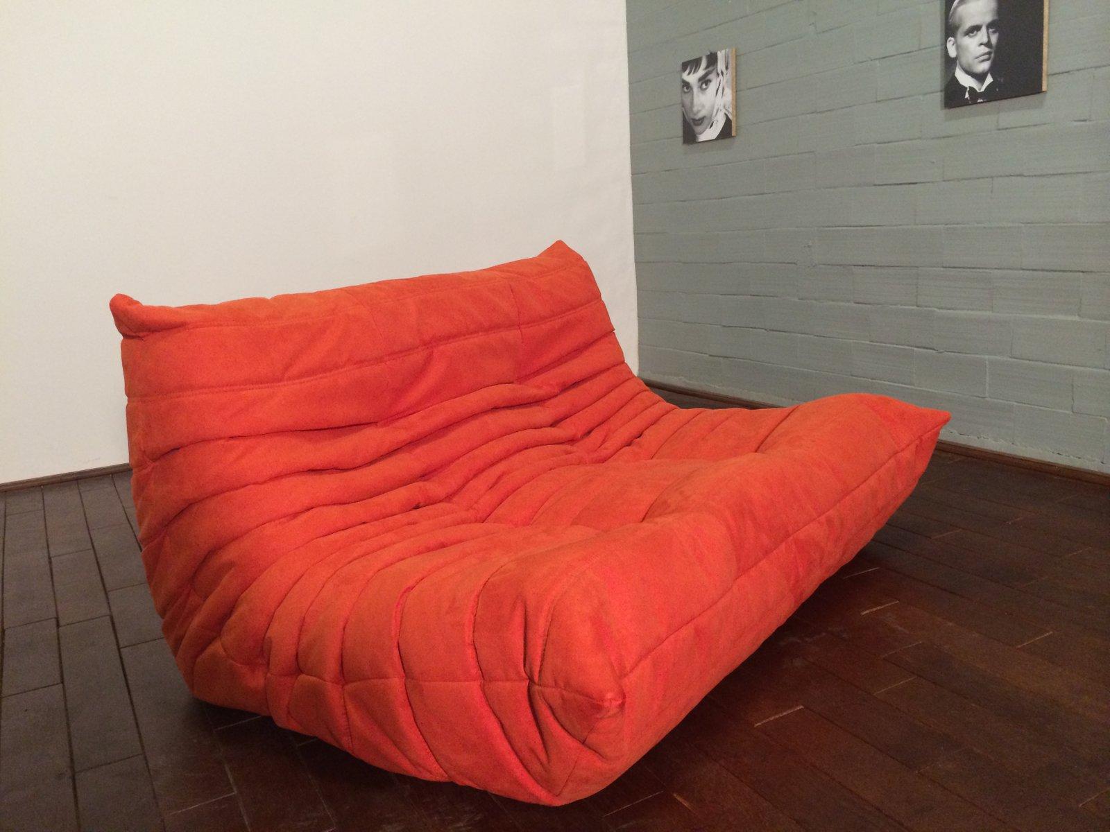 set de canap togo orange en microfibre par michel ducaroy pour ligne roset 1974 en vente sur. Black Bedroom Furniture Sets. Home Design Ideas
