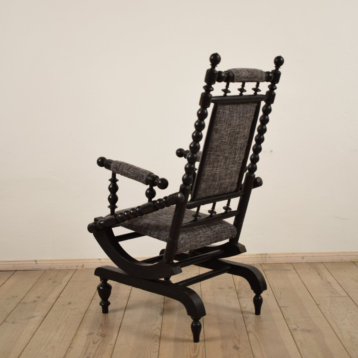 Antique American Rocking Chair 12. €1,300.00 - Antique American Rocking Chair For Sale At Pamono