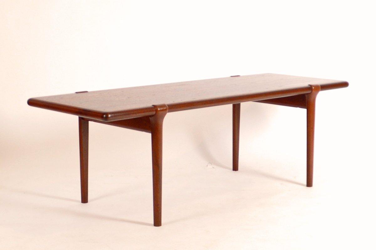 Mid Century Danish Coffee Table In Teak By Niels O Møller