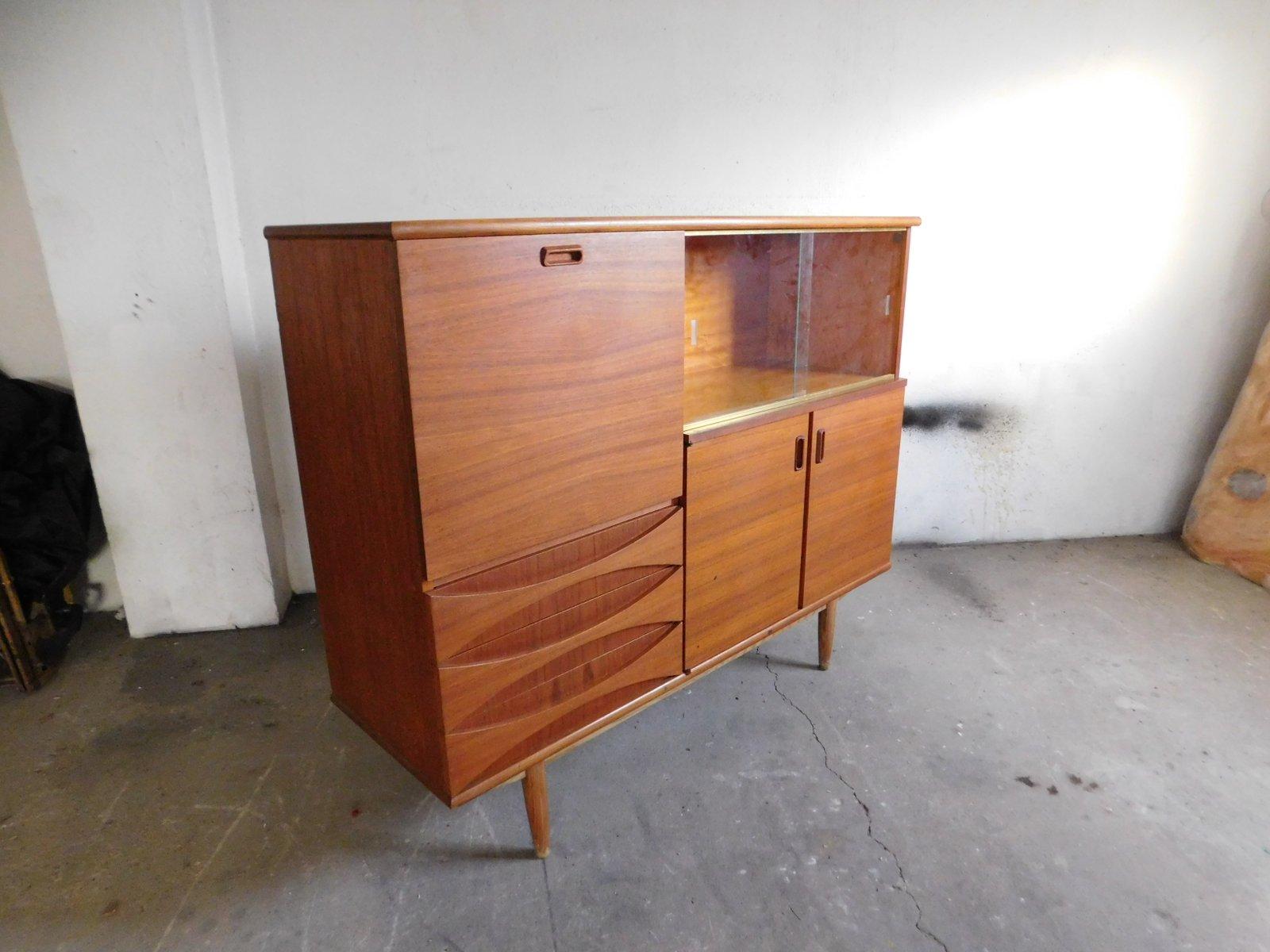 gro es teakholz sideboard mit schiebet ren aus glas 1960er bei pamono kaufen. Black Bedroom Furniture Sets. Home Design Ideas