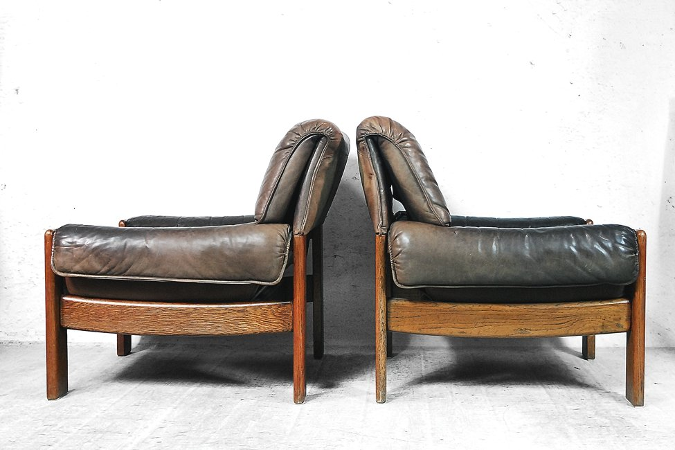 Danish Modern Leather Lounge Chairs, 1960s, Set of 2 for sale at Pamono