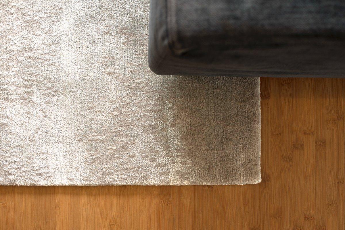 nepal teppich annapurna in silber grau von jono concepts. Black Bedroom Furniture Sets. Home Design Ideas