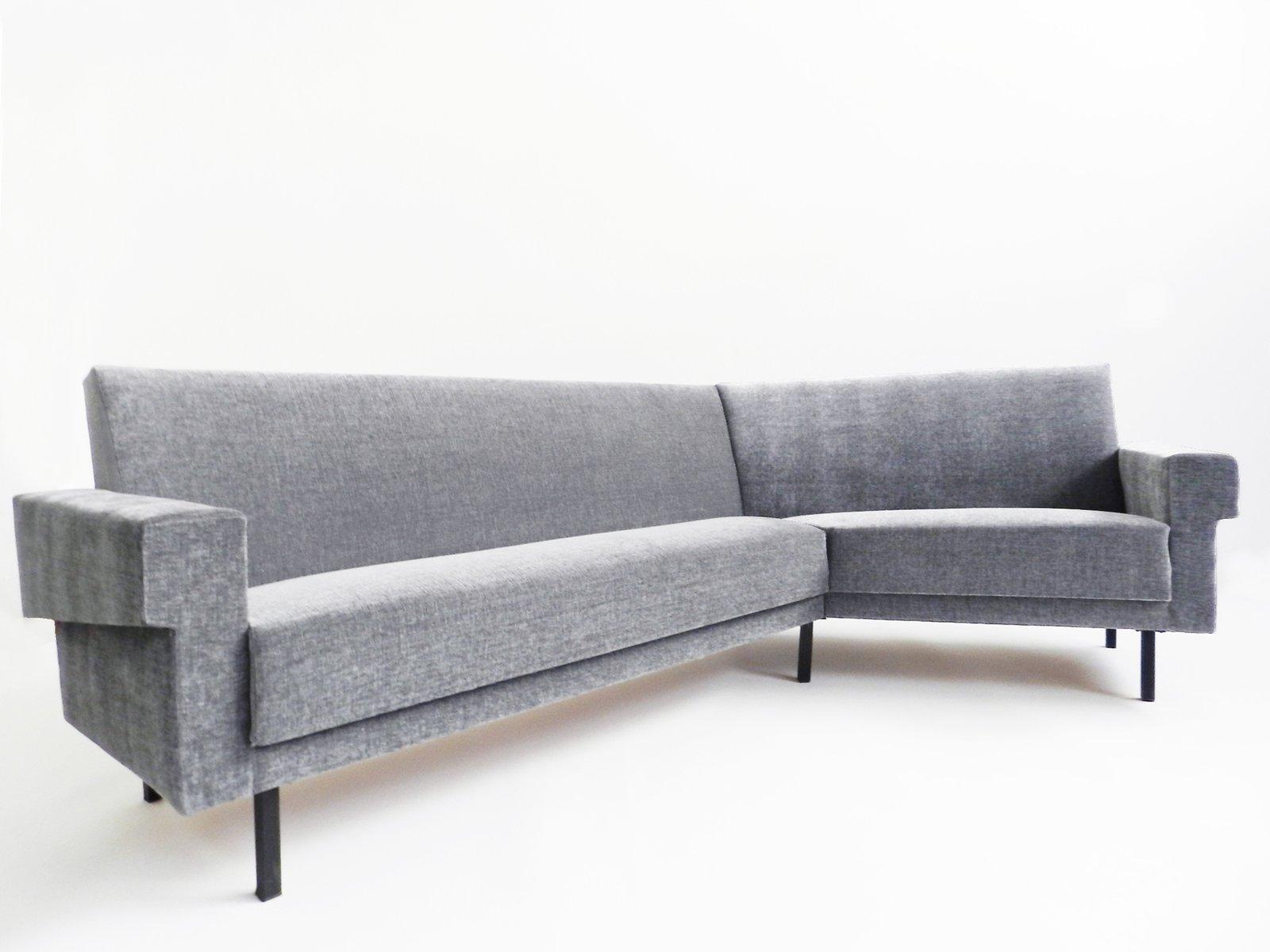canap d 39 angle gris vintage en vente sur pamono. Black Bedroom Furniture Sets. Home Design Ideas