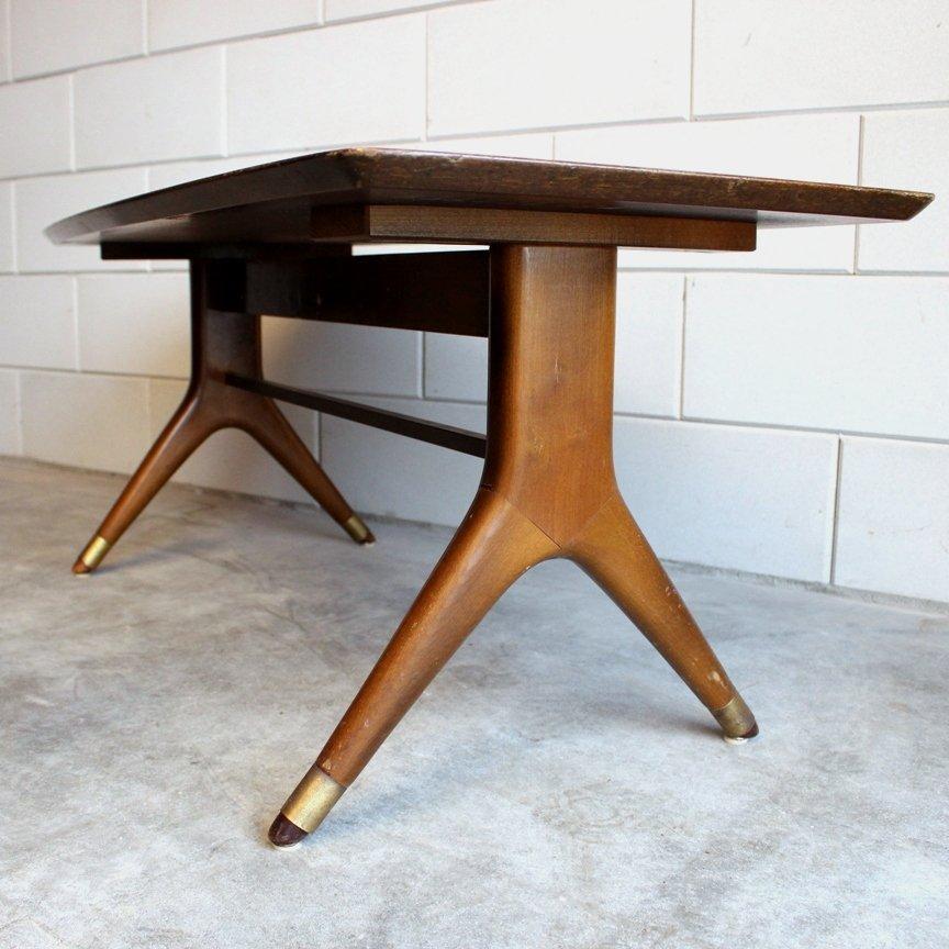 table basse avec pieds en laiton italie 1950s en vente sur pamono. Black Bedroom Furniture Sets. Home Design Ideas