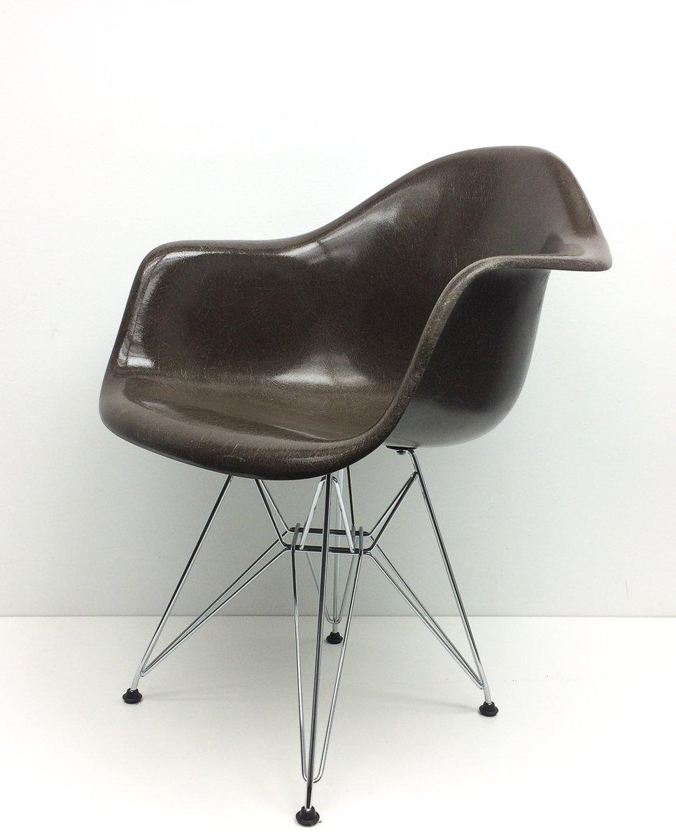 fauteuil marron vintage par charles ray eames pour vitra en vente sur pamono. Black Bedroom Furniture Sets. Home Design Ideas