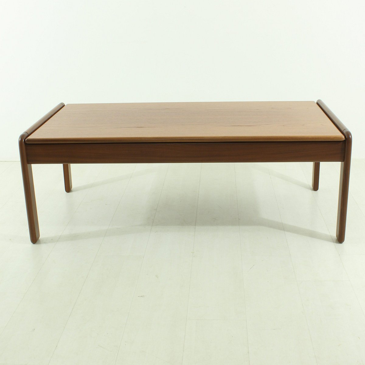 Scandinavian Teak Coffee Table: Scandinavian Teak Coffee Table, 1960s For Sale At Pamono