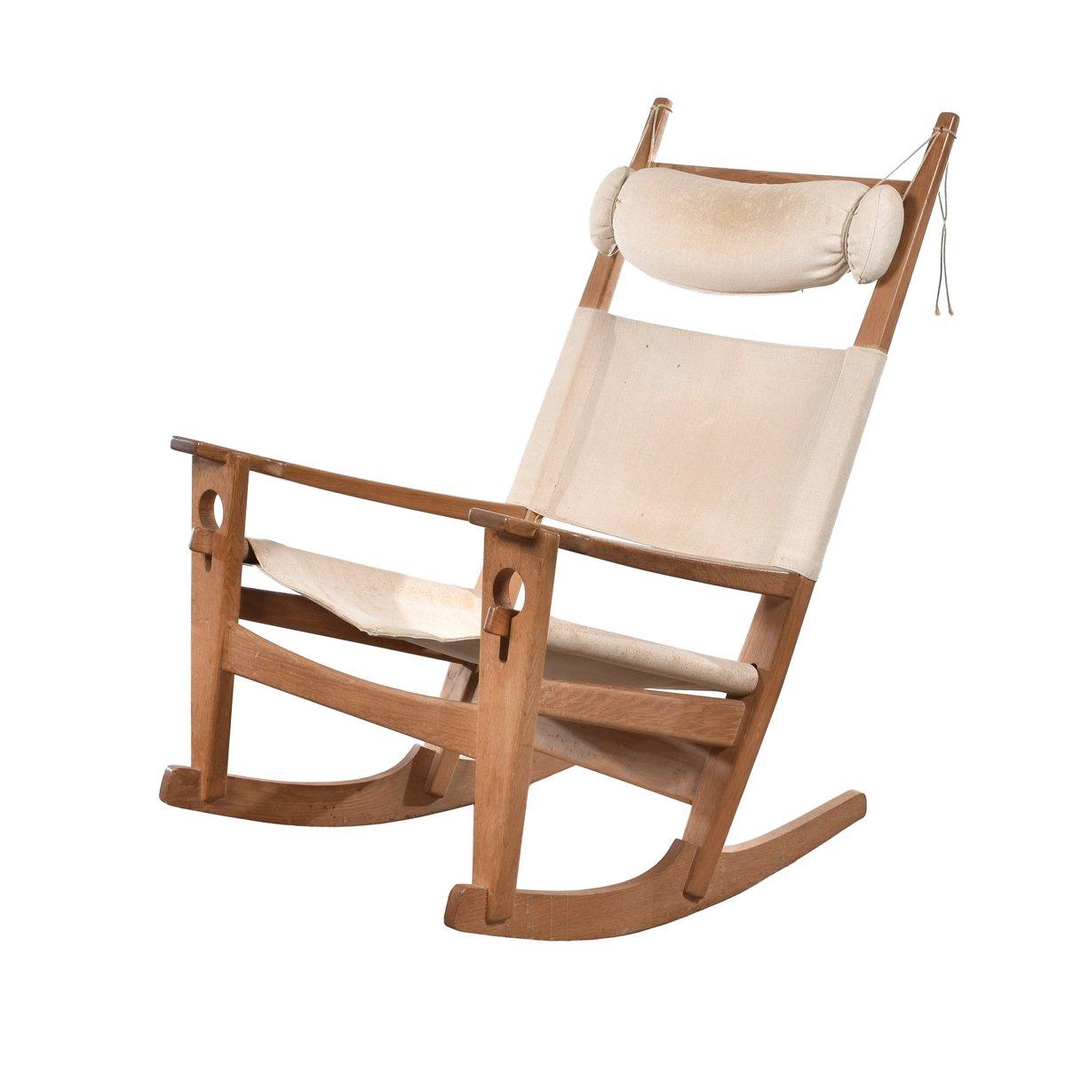 Sedia a dondolo ge673 di hans j wegner per getama anni for Sedia design anni 70