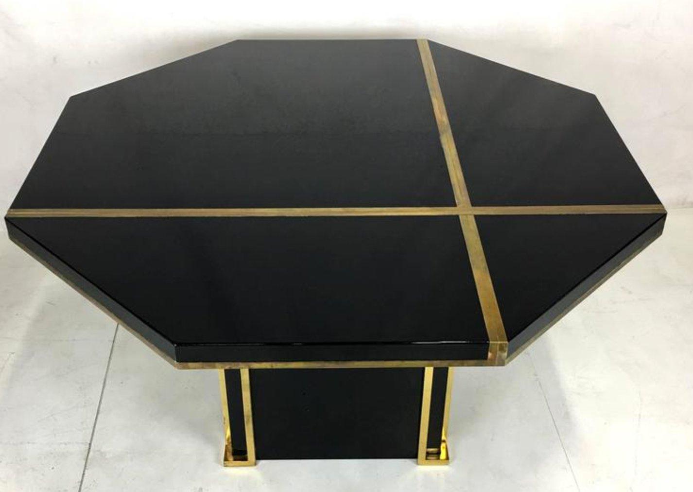 table de salon en laiton laqu par jc mahey pour roche bobois en vente sur pamono. Black Bedroom Furniture Sets. Home Design Ideas