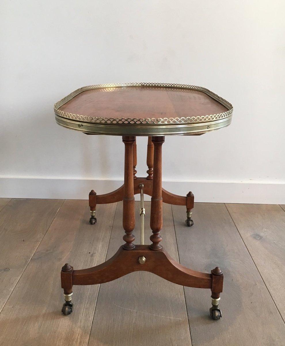 kleiner neoklassizistischer ovaler couchtisch 1940er bei pamono kaufen. Black Bedroom Furniture Sets. Home Design Ideas