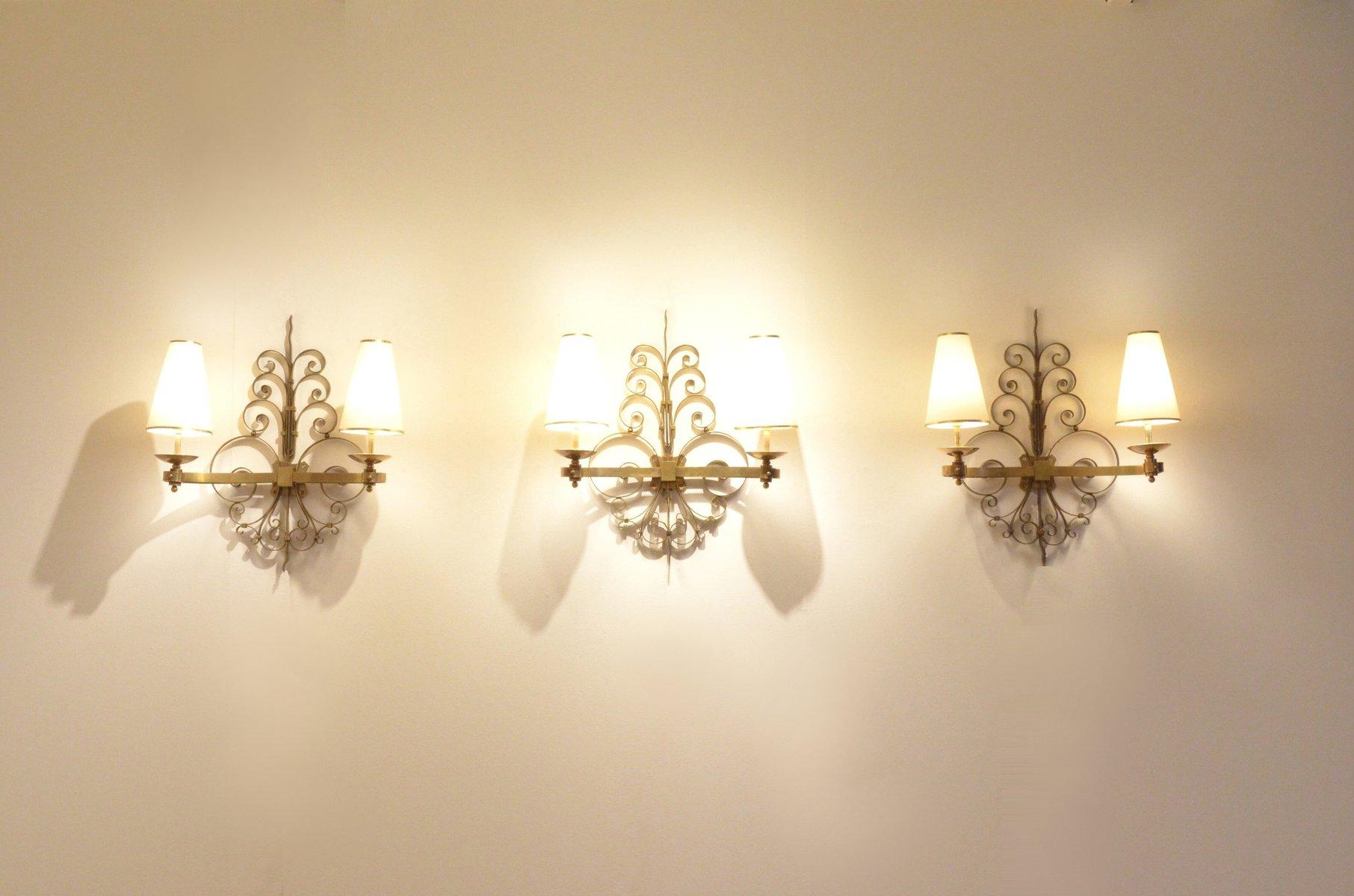 Skulpturelle Art Deco Messing Wandlampen, 1930er, 3er Set