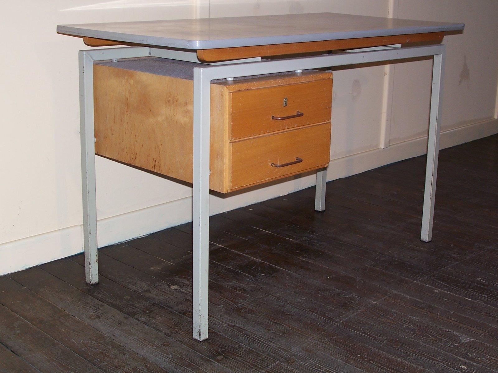 Scrivania Vintage Legno : Scrivania vintage con superficie in formica e cassetti in legno in