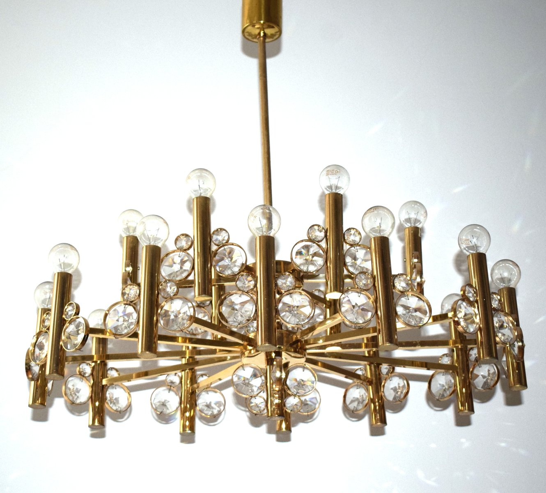 Großer Vergoldeter Kronleuchter aus Messing mit 18 Leuchten, 1970er