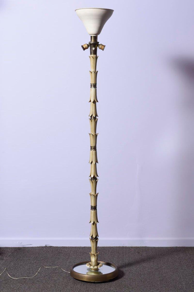 italienische vintage stehlampe aus holz messing bei pamono kaufen. Black Bedroom Furniture Sets. Home Design Ideas