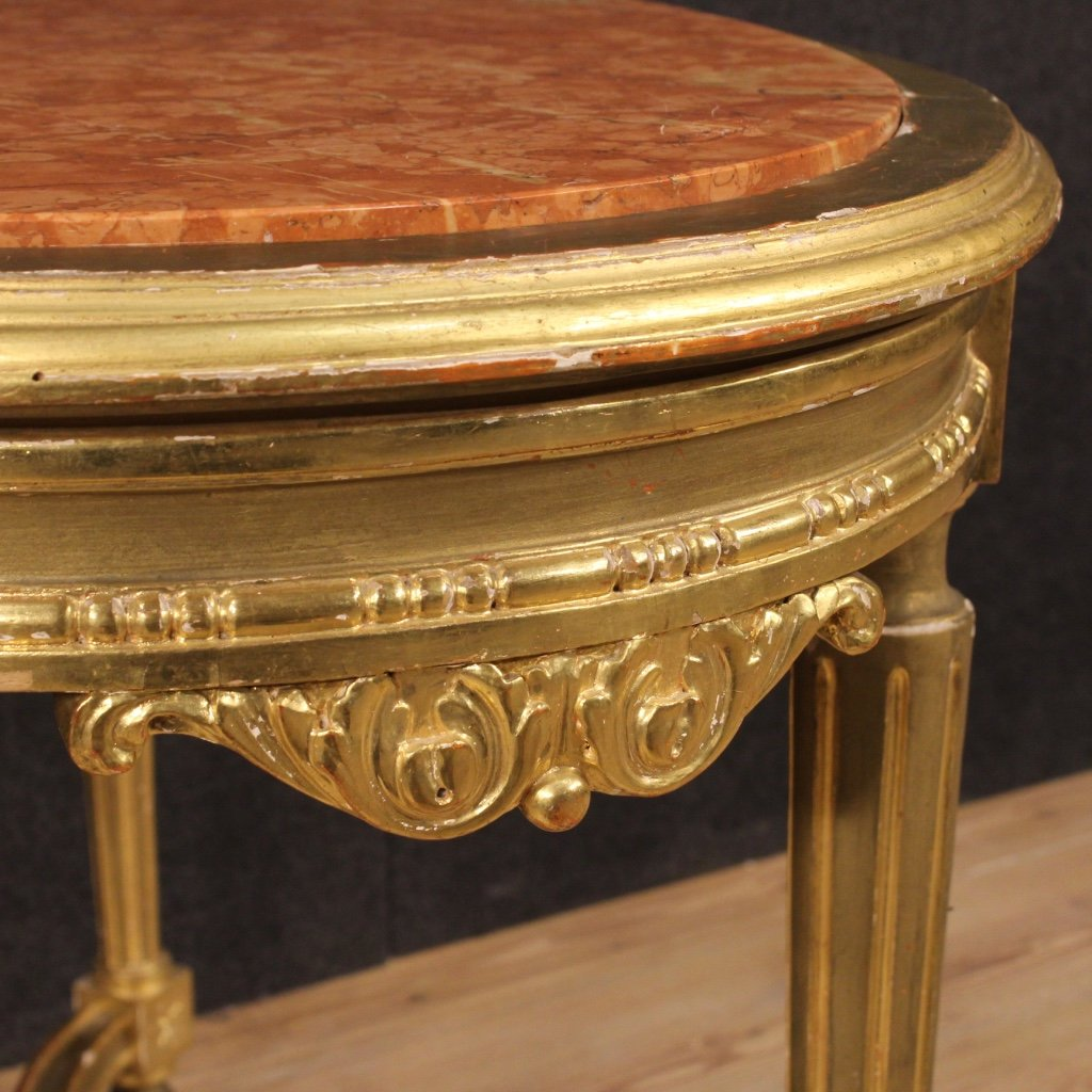 Italienischer vergoldeter beistelltisch mit marmorplatte for Beistelltisch marmorplatte
