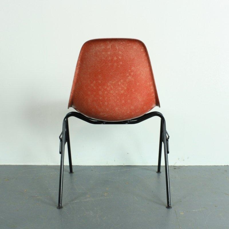 Sedia Dss Color Arancia Rossa Di Charles Ray Eames Per