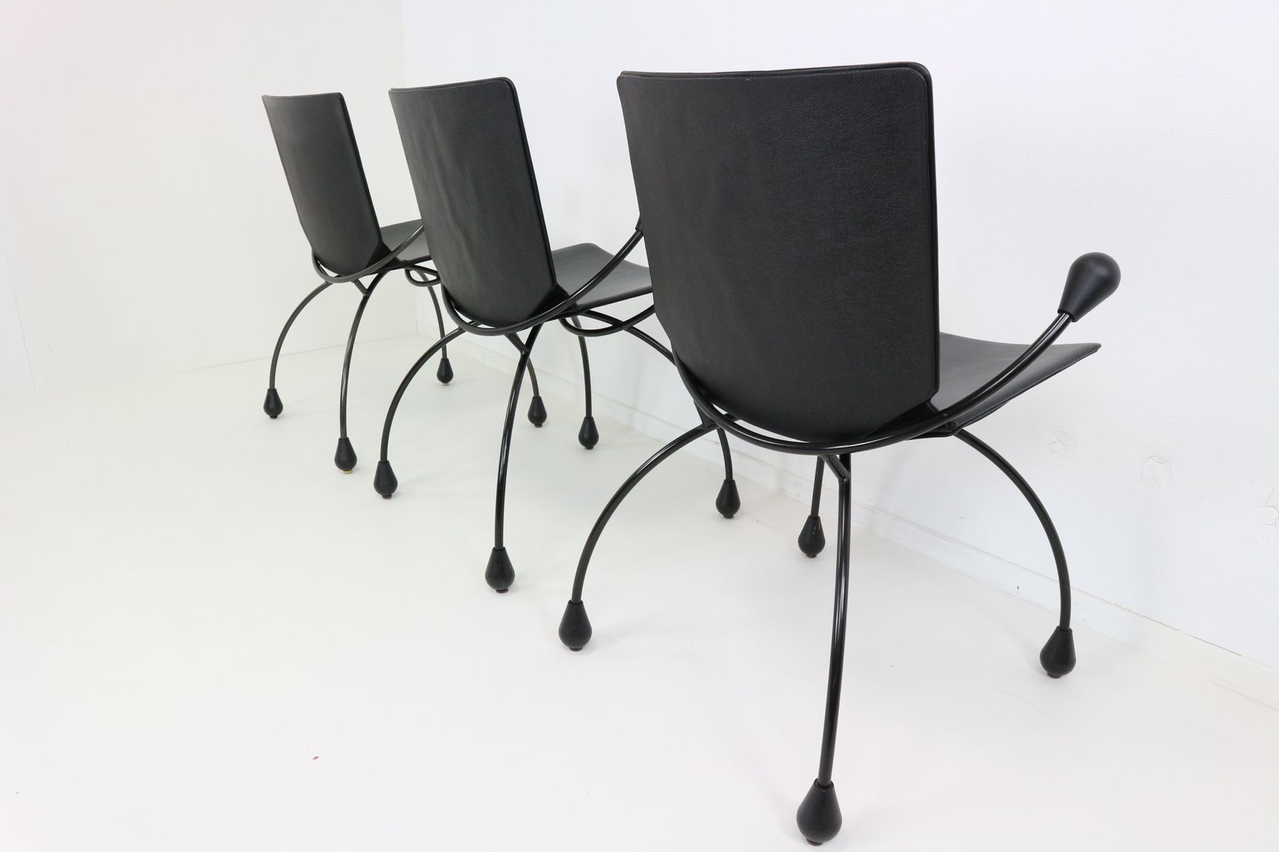 Chaise de salle manger en cuir noir 1980s en vente sur - Chaise cuir noir salle manger ...