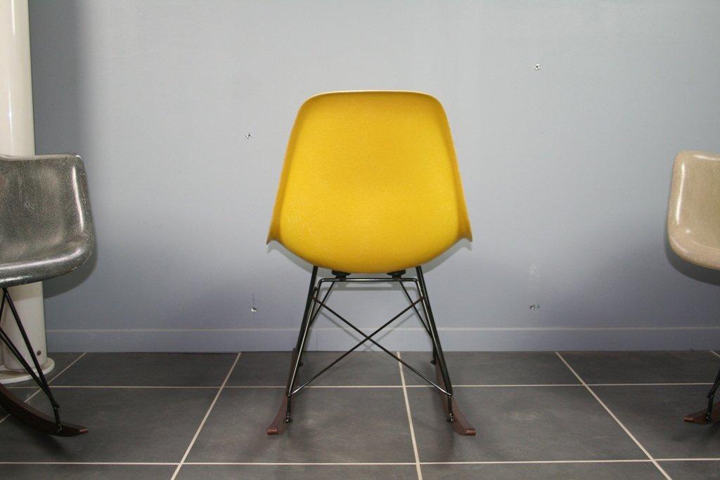 gelber schaukelstuhl von charles ray eames f r herman miller 1960er bei pamono kaufen. Black Bedroom Furniture Sets. Home Design Ideas