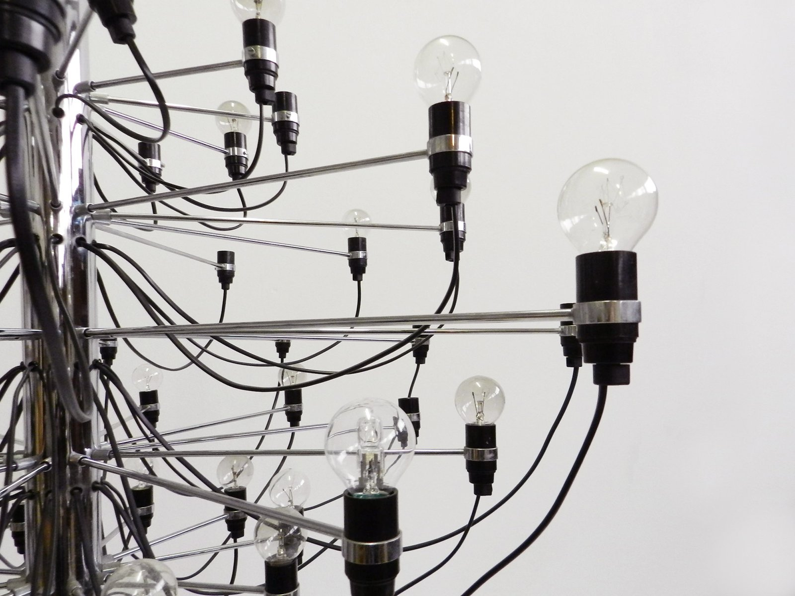 Mid Century Model 2097 Chandelier By Gino Sarfatti For Arteluce Wiring Black White