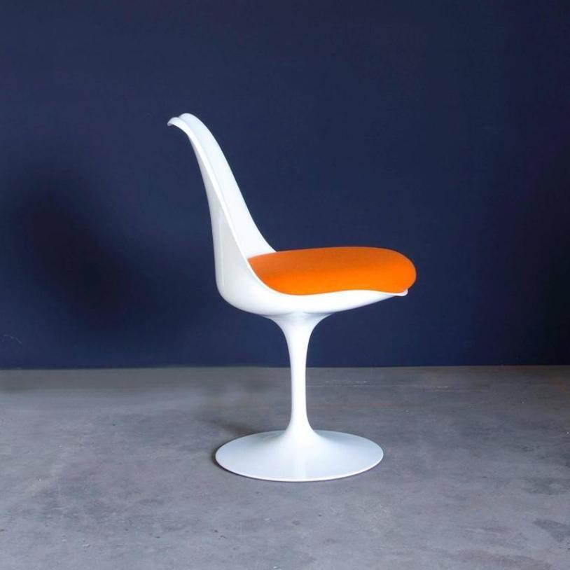 chaises tulipe 151 blanches vintage par eero saarinen pour knoll international set de 4 en. Black Bedroom Furniture Sets. Home Design Ideas