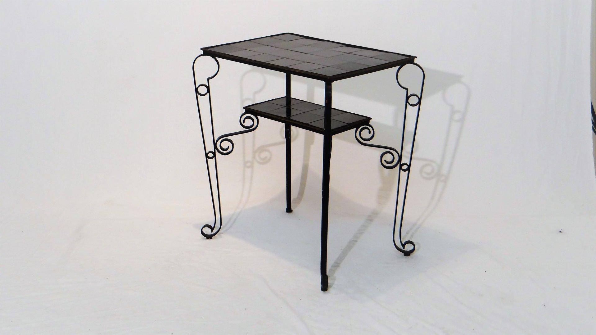 Tavolino vintage con mattonelle nere e gambe in ferro in vendita su