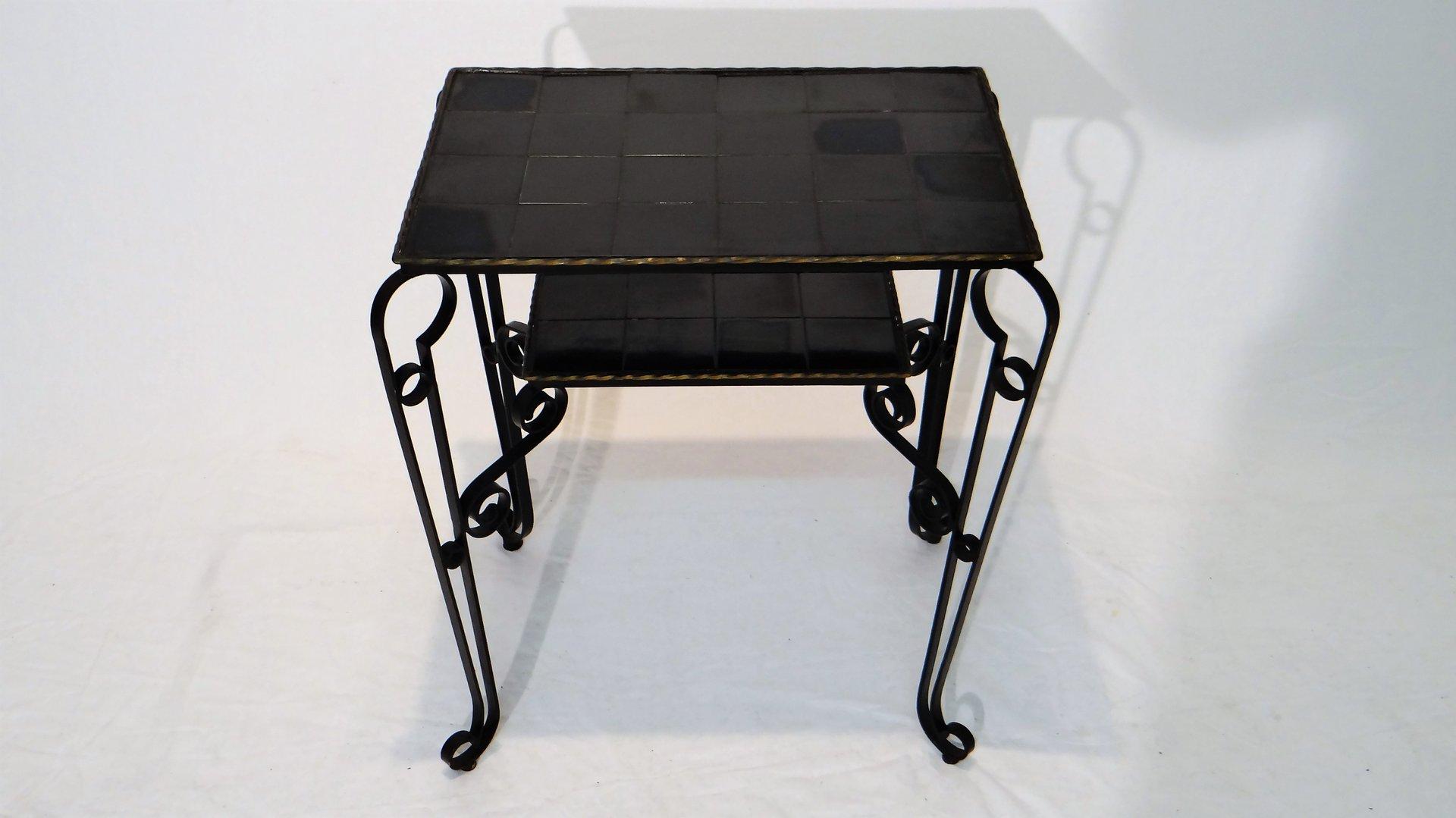 Tavolino vintage con mattonelle nere e gambe in ferro in vendita