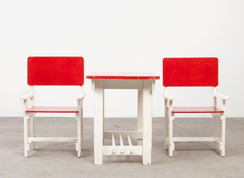 tables et chaises d 39 enfants en bois vintage en vente sur pamono. Black Bedroom Furniture Sets. Home Design Ideas