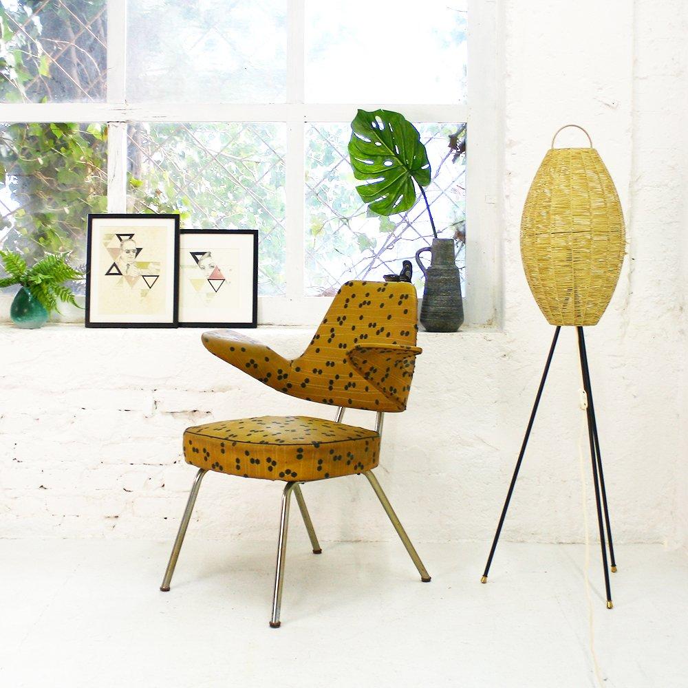 dreibein stehlampe mit bastgewebe schirm 1950er bei. Black Bedroom Furniture Sets. Home Design Ideas