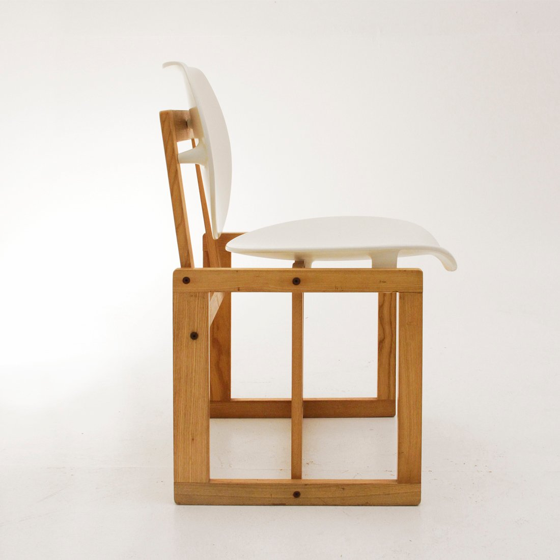 Italian wood furniture French Price Per Piece Dhgate Vintage Italian Wood And White Plastic Chair 1970s For Sale At Pamono