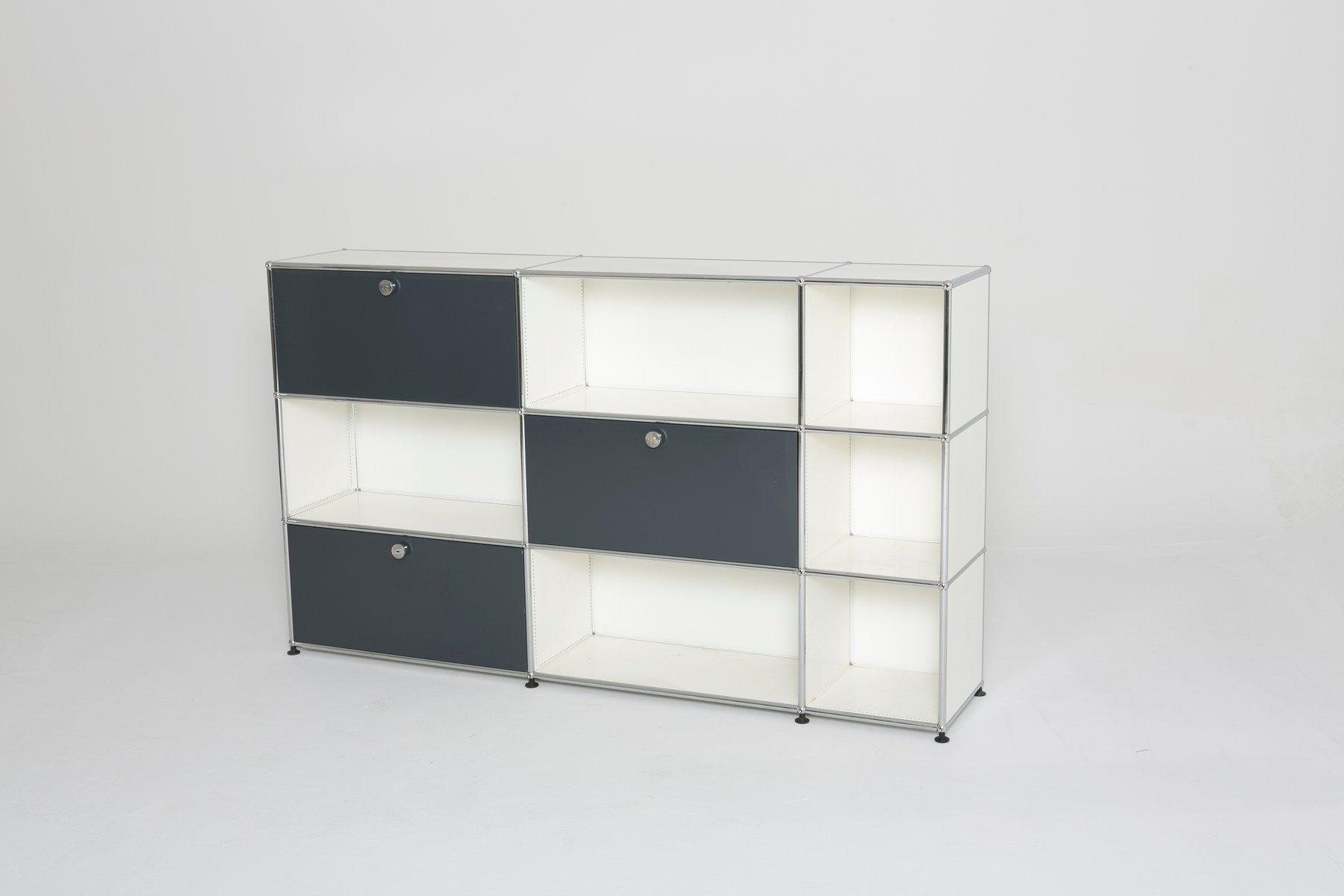 vintage schrank in wei und grau von usm haller bei pamono kaufen. Black Bedroom Furniture Sets. Home Design Ideas