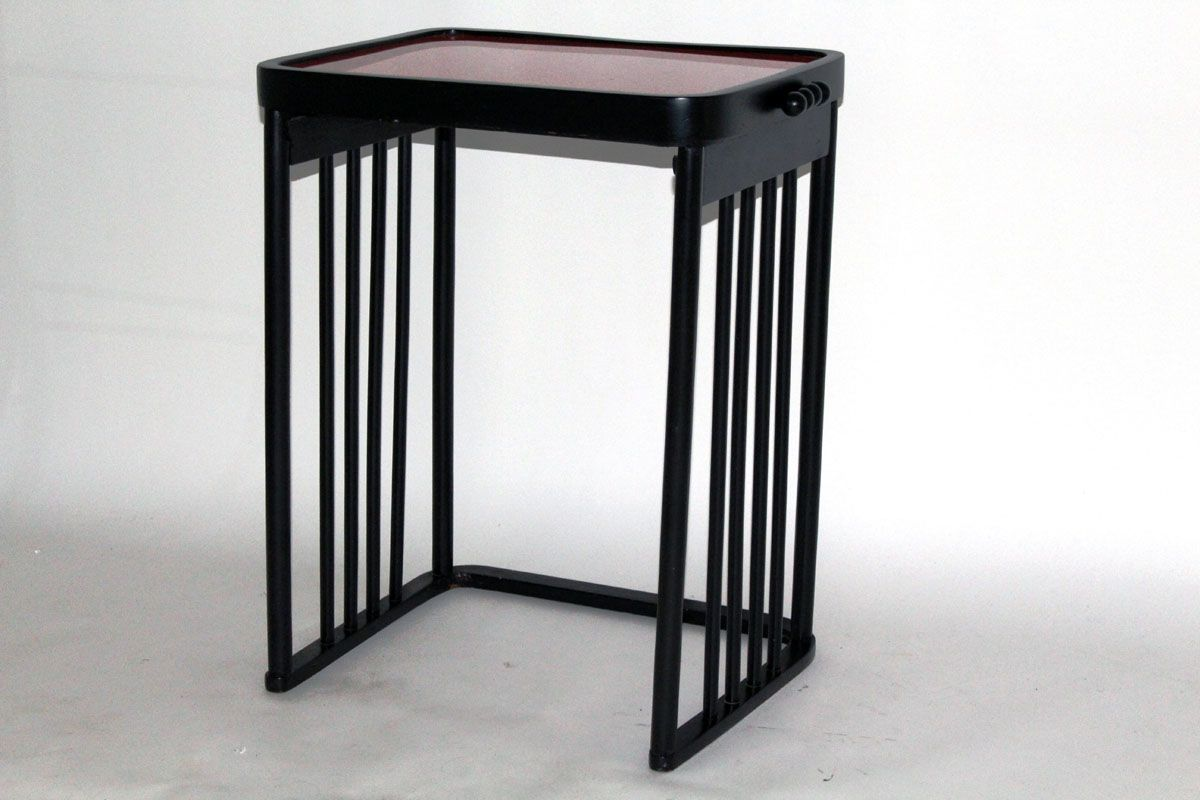 table basse antique rouge et noire par josef hoffman pour j j kohn 1906 en vente sur pamono. Black Bedroom Furniture Sets. Home Design Ideas
