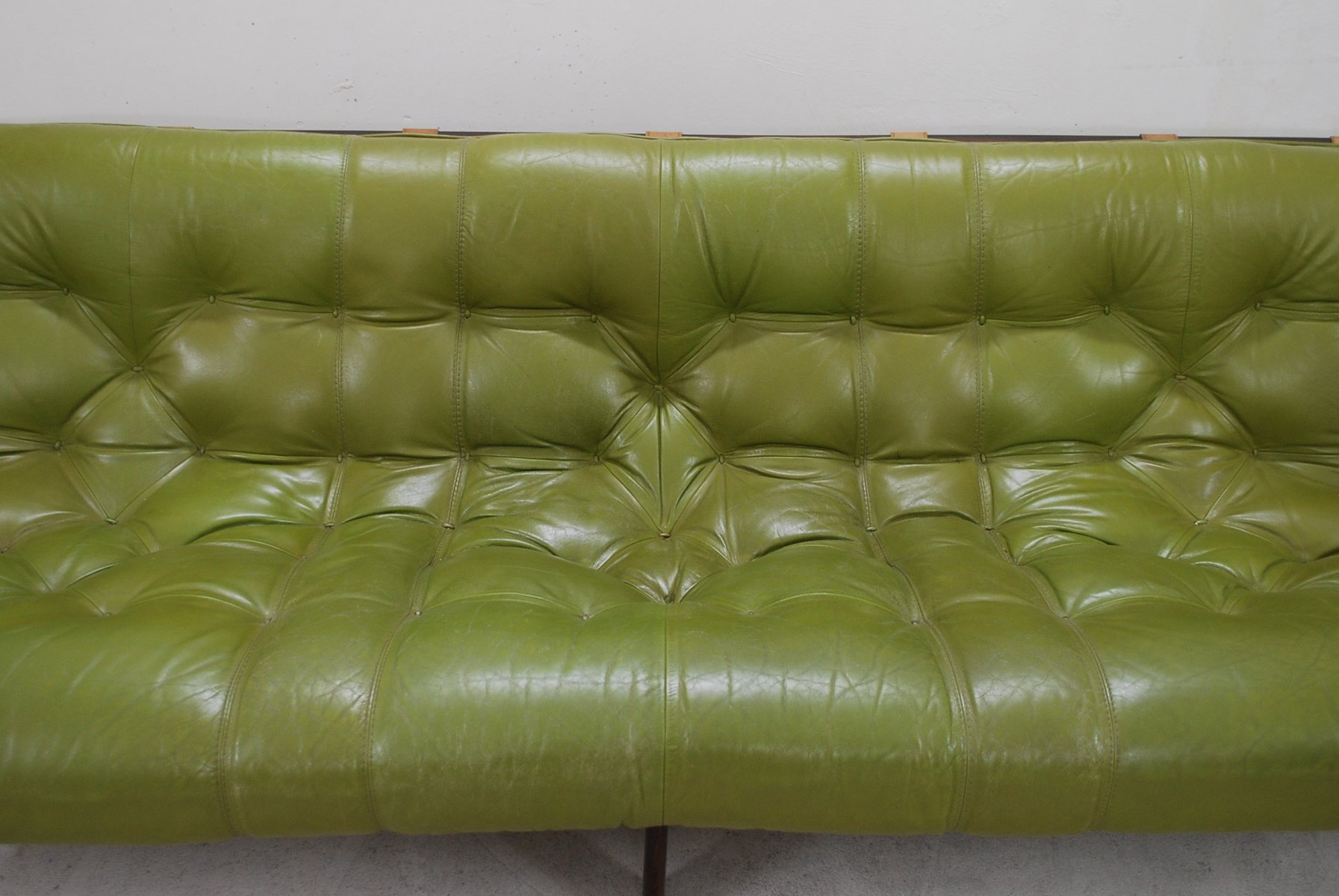 Delicieux Model MP 041 Lime Green Leather Sofa From Percival Lafer, 1961