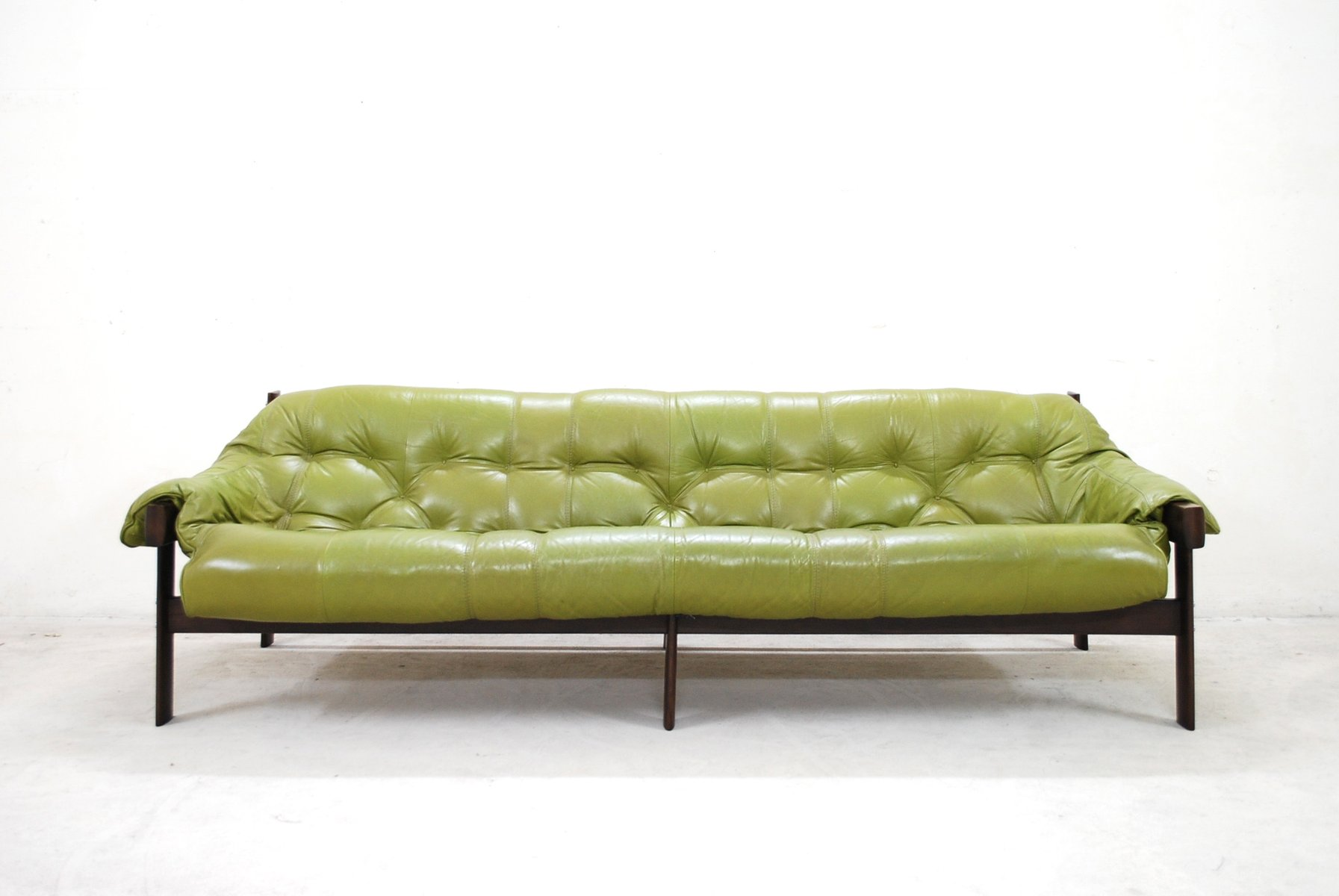 Attirant Model MP 041 Lime Green Leather Sofa From Percival Lafer, 1961