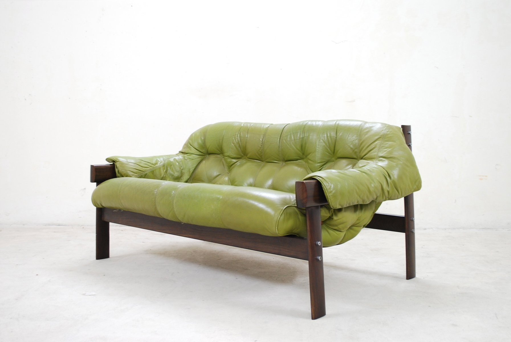 Model mp 041 green leather sofa from percival lafer 1961