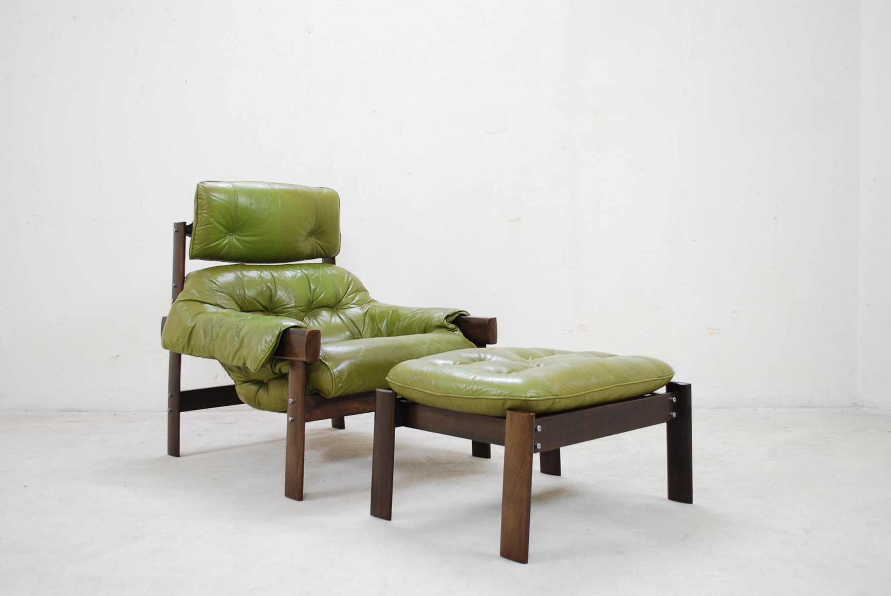 Beau Model MP 041 Lime Green Leather Lounge Chair U0026 Ottoman From Percival Lafer,  1961