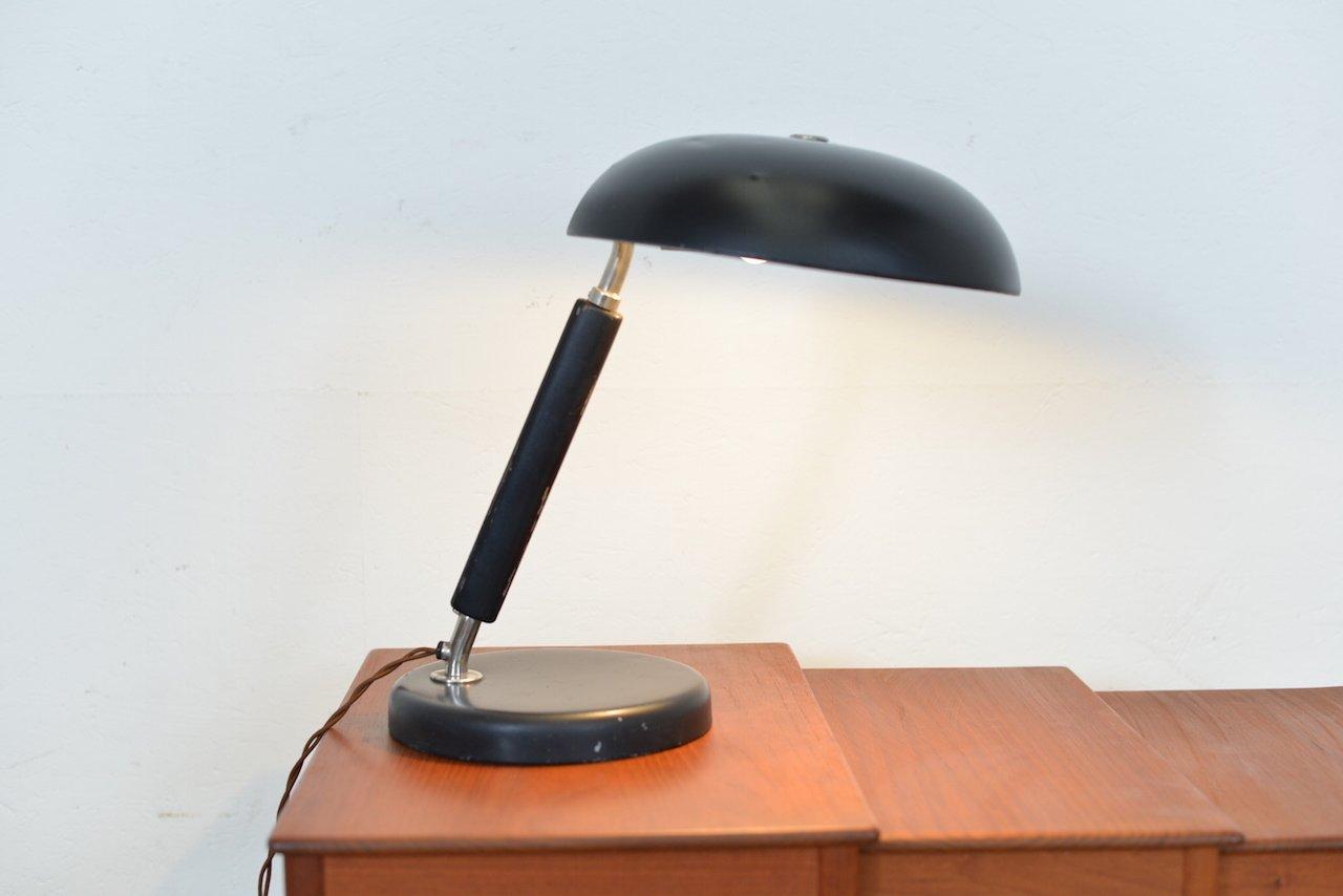Lampe de bureau vintage noire en métal et bois suisse en vente