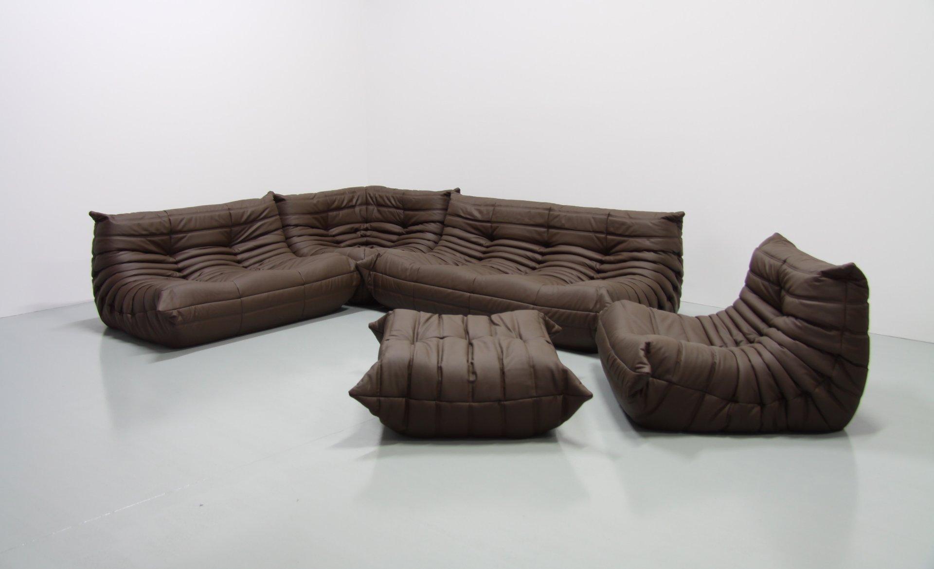 Braunes Mid Century Togo Leder Wohnzimmer Set Von Michel Ducaroy Für L..