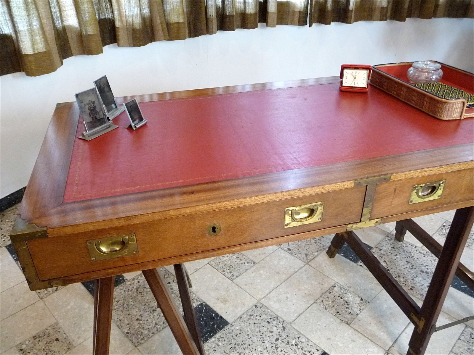 Vintage british campaign desk in mahogany and leather for sale at pamono price per piece gumiabroncs Choice Image