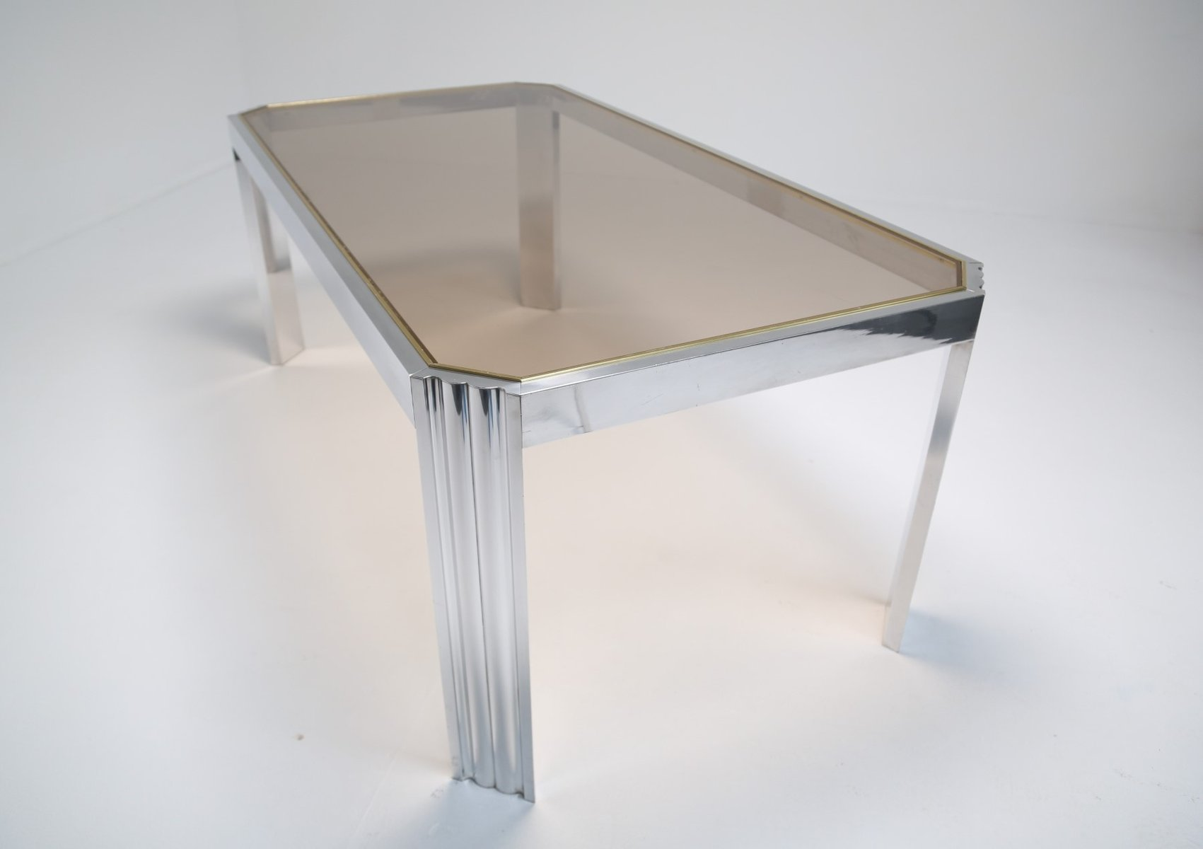 table de salle manger en aluminium et verre fum 1970s. Black Bedroom Furniture Sets. Home Design Ideas