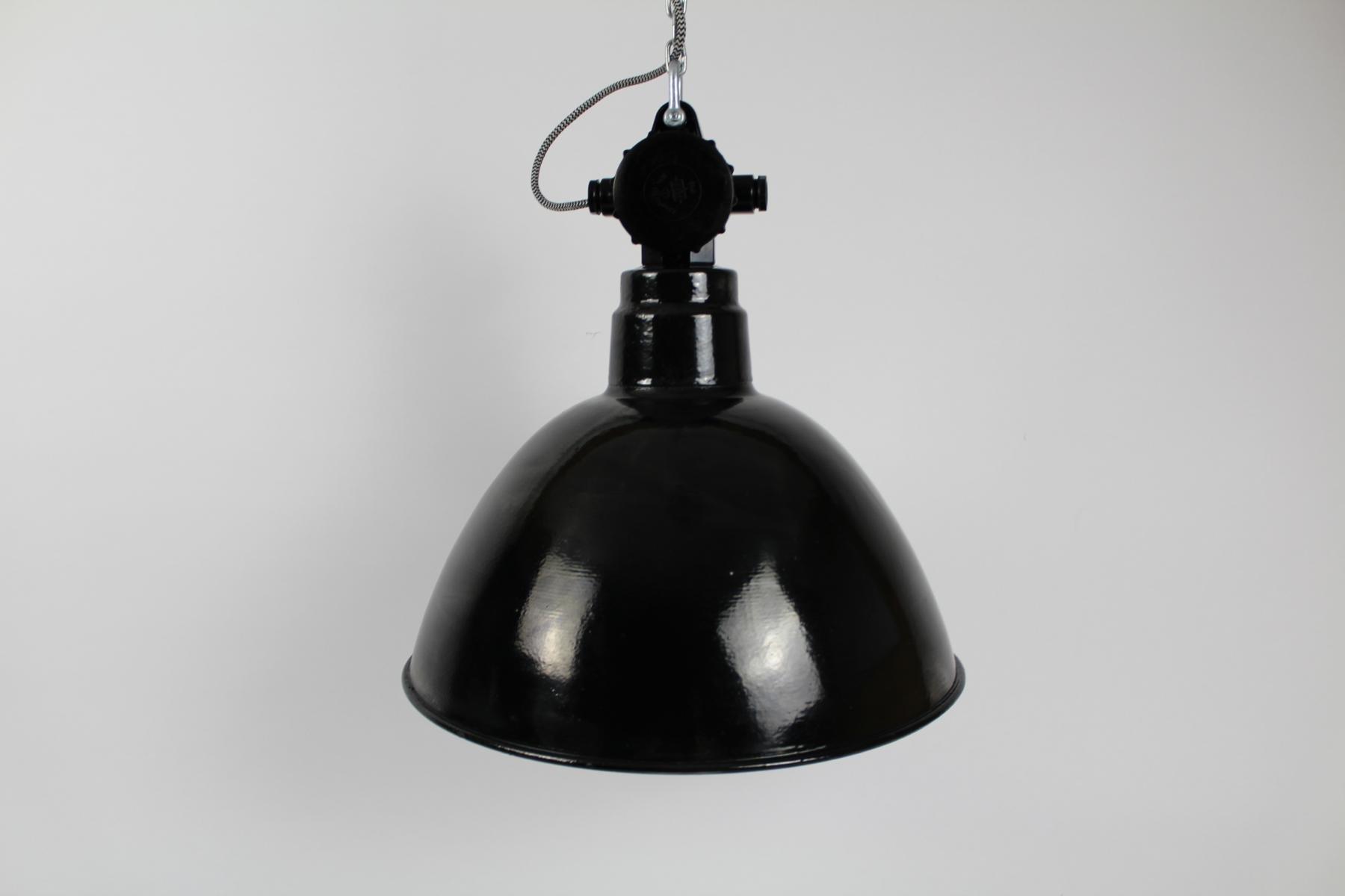 Industrielle Emaillierte Fabrik Bunkerlampe von VEB Leuchtenbau