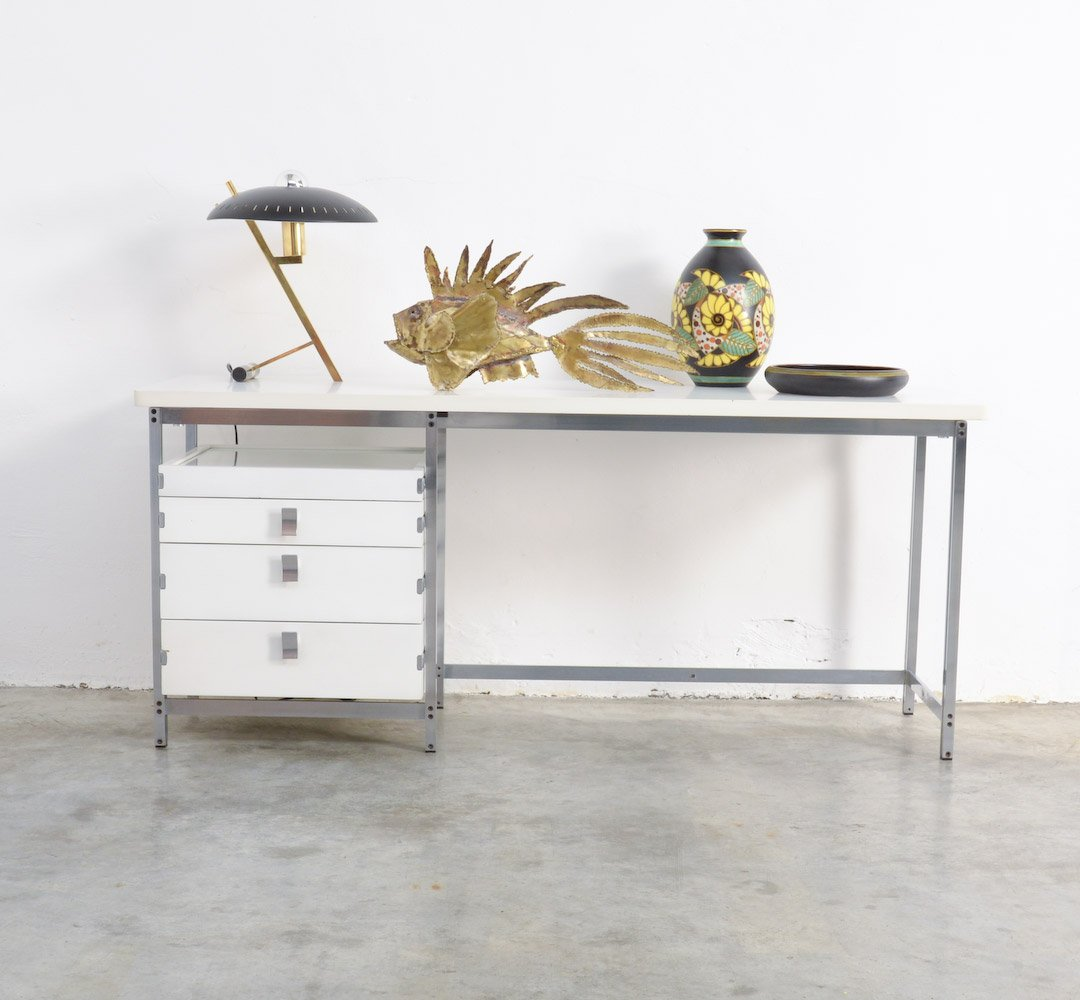 table vintage blanche par jules wabbes en vente sur pamono. Black Bedroom Furniture Sets. Home Design Ideas
