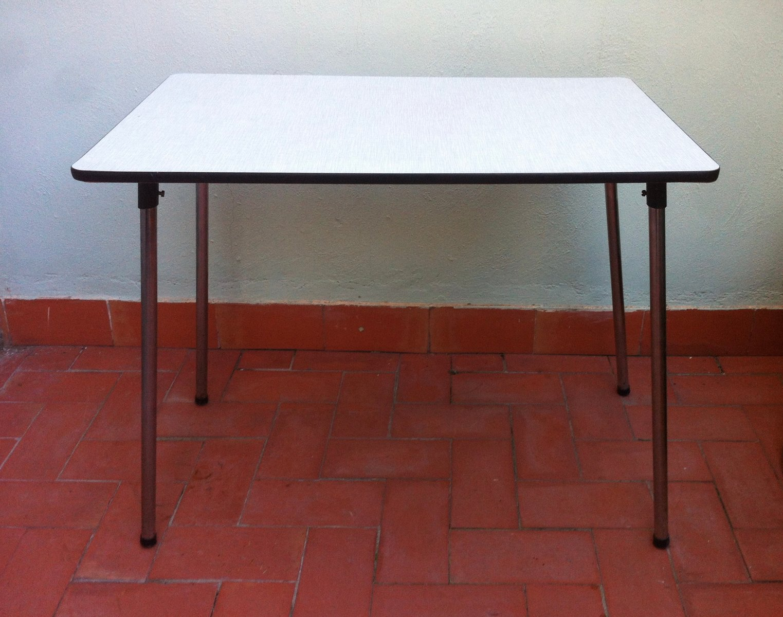table de cuisine pliable en formica belgique 1960s en. Black Bedroom Furniture Sets. Home Design Ideas